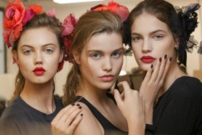 Chanel Métiers D'Art il backstage beauty della sfilata Parise Cosmopolite (9)