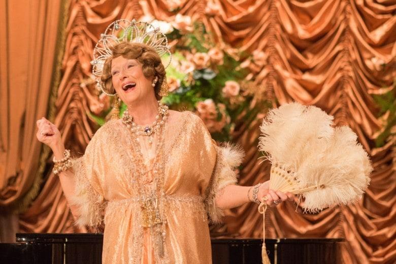 Florence: gli eccentrici look di Meryl Streep nel nuovo film