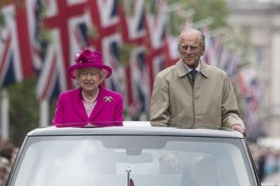 La Regina Elisabetta assume un organizzatore di viaggi