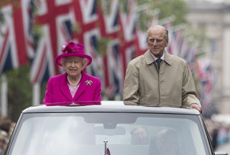 """La Regina Elisabetta assume un organizzatore di viaggi """"reali"""" (e paga bene)"""