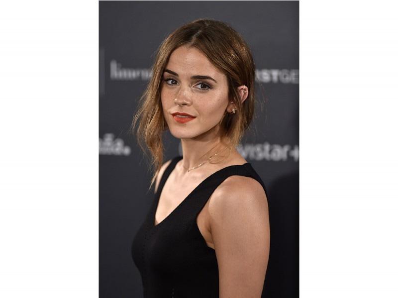 Emma Watson capelli raccolti