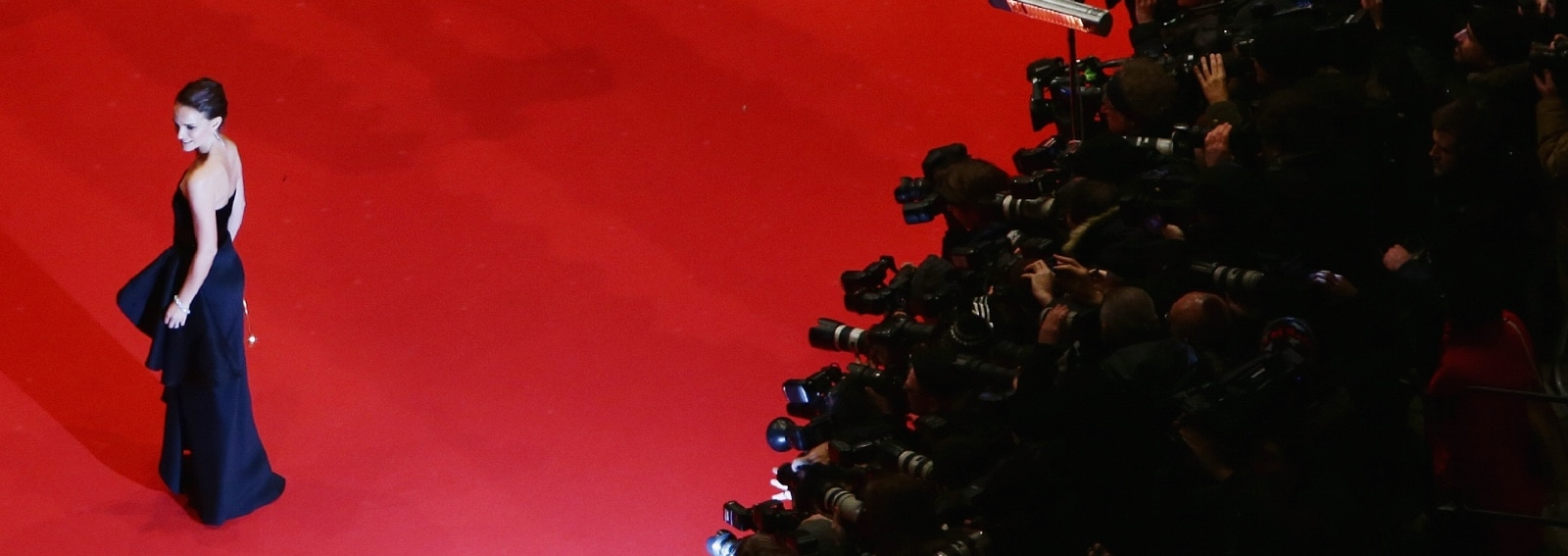 GettyImages-come venire bene in foto pose star red carpet