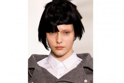 Junya-Watanabe capelli tagli asimmetrici