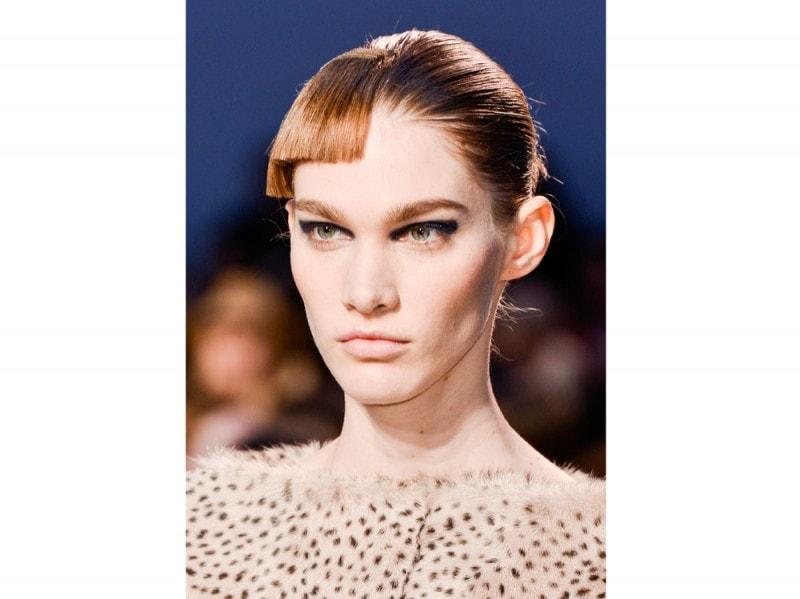 Thakoon capelli tagli asimmetrici