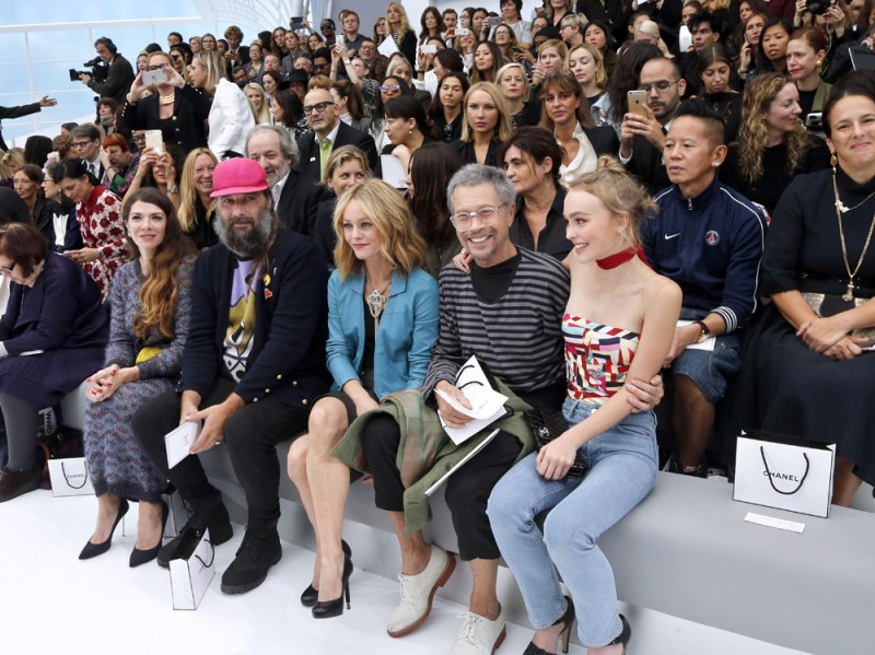 chanel-ss2016-front-row