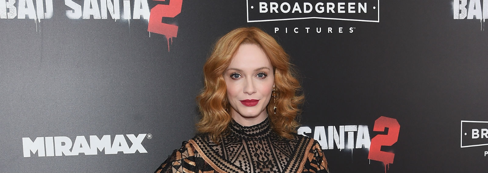 cover-Christina Hendricks capelli i migliori hair look della rossa più sensuale-desktop