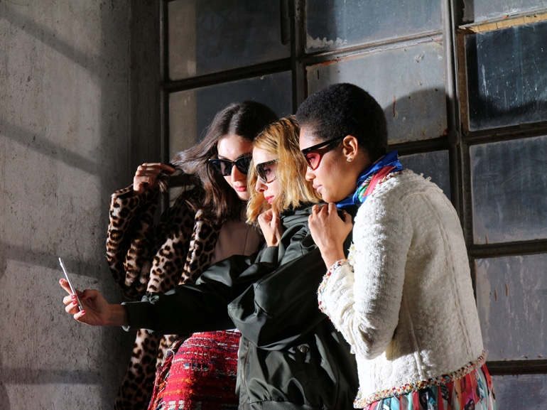 cover-chanel-backstage-mobile