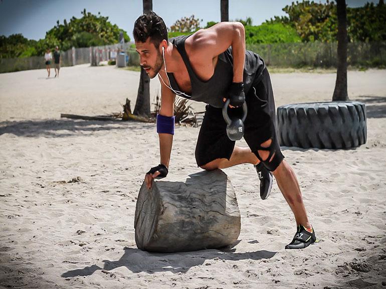 dorsali-rimanere-in-forma-durante-feste-Natale-allenamento-benessere-esercizi-fitness-sport