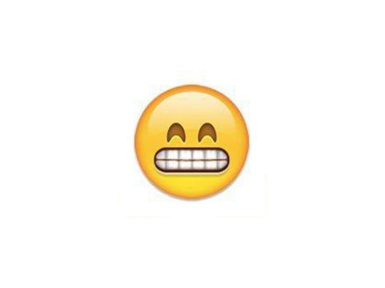 emoji denti stretti