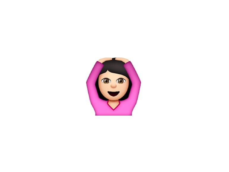 emoji ragazza braccia in alto