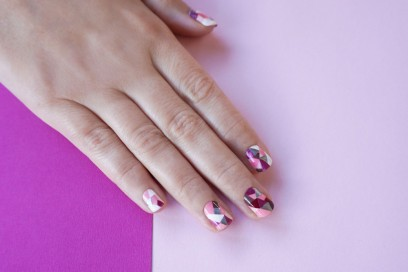 geometric-mosaic-nail-art