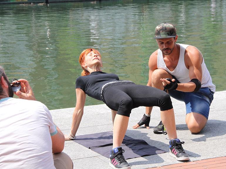 glutei-rimanere-in-forma-durante-feste-Natale-allenamento-benessere-esercizi-fitness-sport