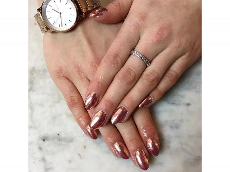 mirror-nails-chezpaintsnails