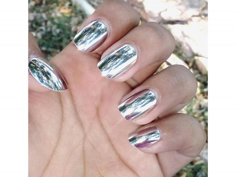 mirror-nails-julissa_azumaril