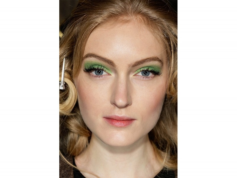 trucco greenery pantone make up (1)