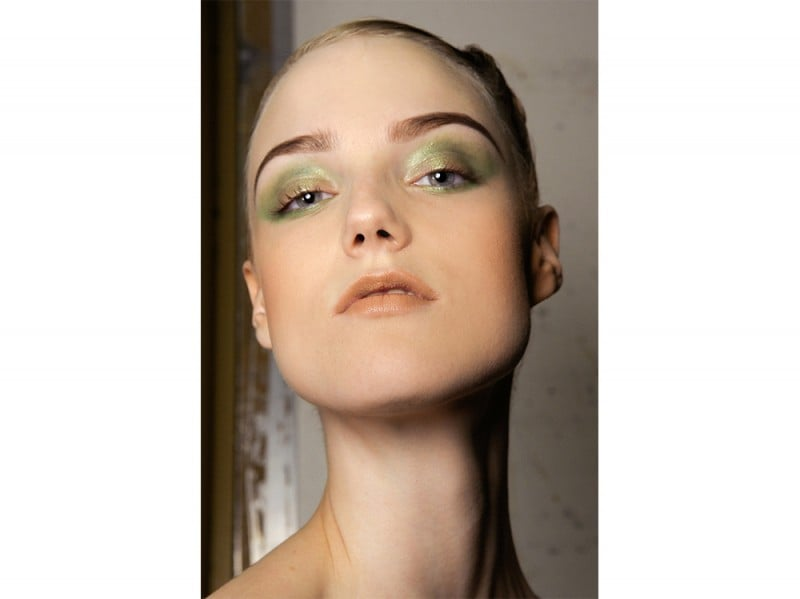 trucco greenery pantone make up (4)