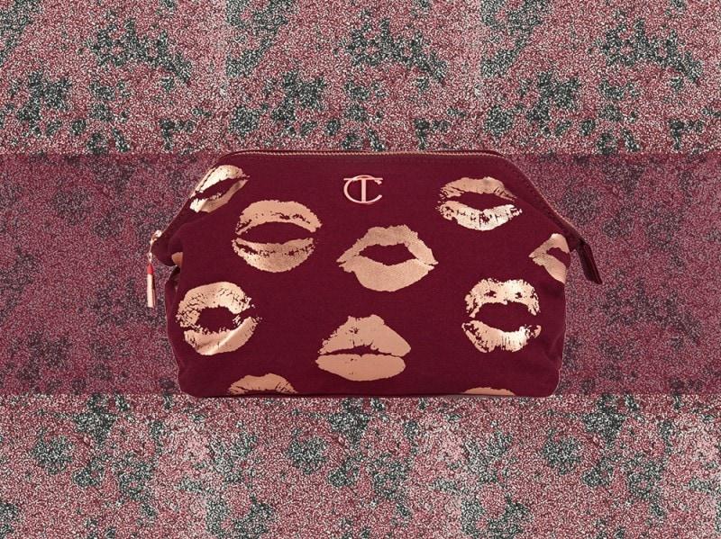 trucco rosso bordeaux pochette charlotte tilubury