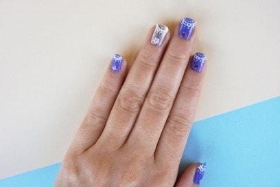 winter-lace-nail-art