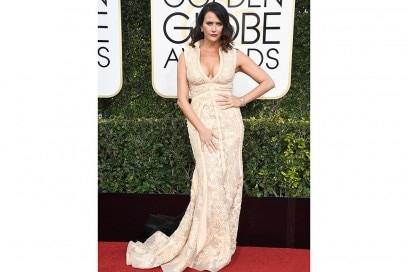 Amy-Landecker-golden-globes-2017