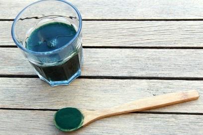 Colazione-alga-spirulina-per-avere-capelli-belli-benefici-salute-benessere-dimagrire