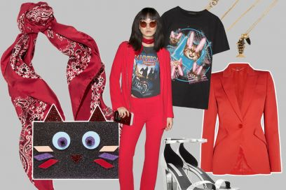 Completo rosso e t-shirt stampata: il look glam rock da copiare