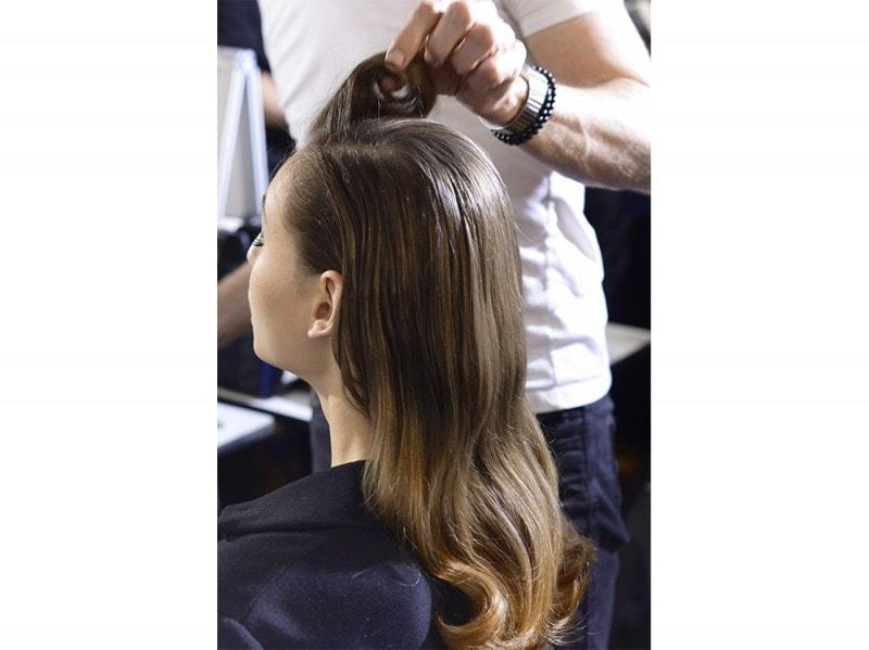 Elie-Saab capelli castani
