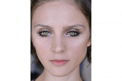 Eyeliner tendenza trucco primavera estate 2017  (21)