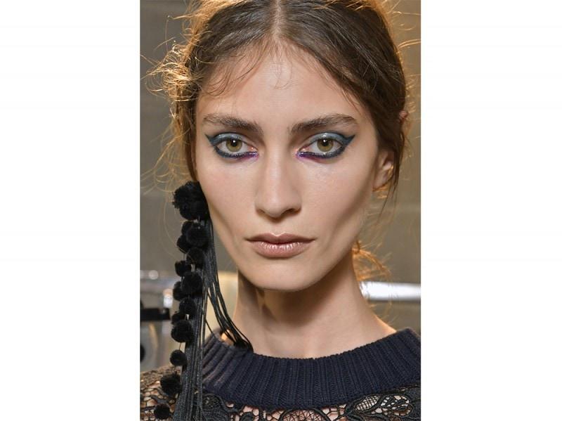 Eyeliner tendenza trucco primavera estate 2017  (3)