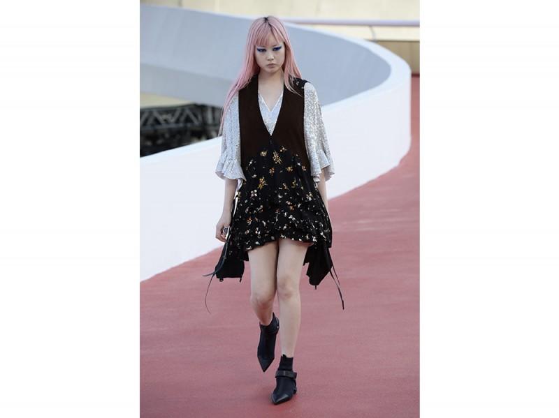 capelli rosa pastello sfilata