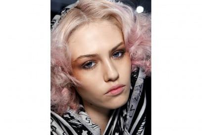 capelli rosa pastello Mara Hoffman