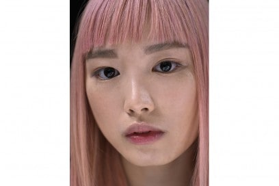 capelli rosa pastello Vera-Wang
