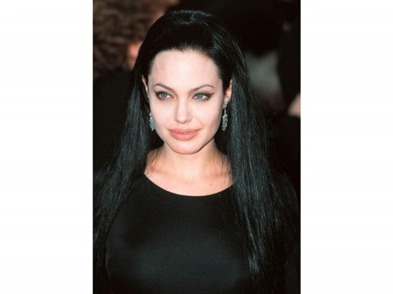 angelina-jolie-capelli-evoluzione-look-negli-anni-05