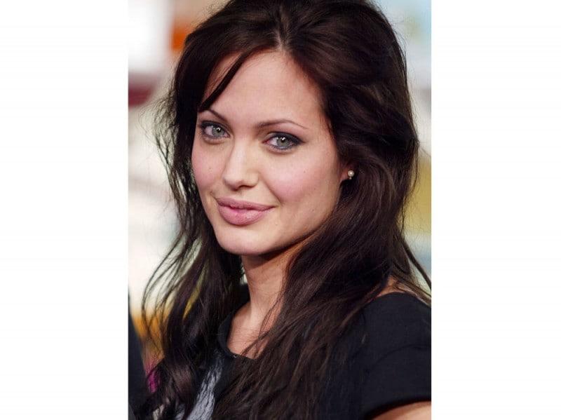 angelina-jolie-capelli-evoluzione-look-negli-anni-08