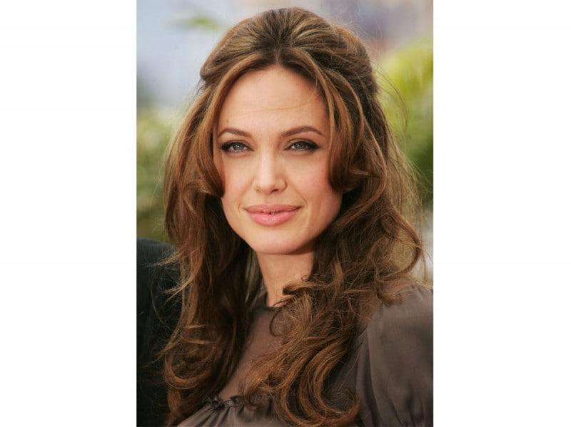 angelina-jolie-capelli-evoluzione-look-negli-anni-18