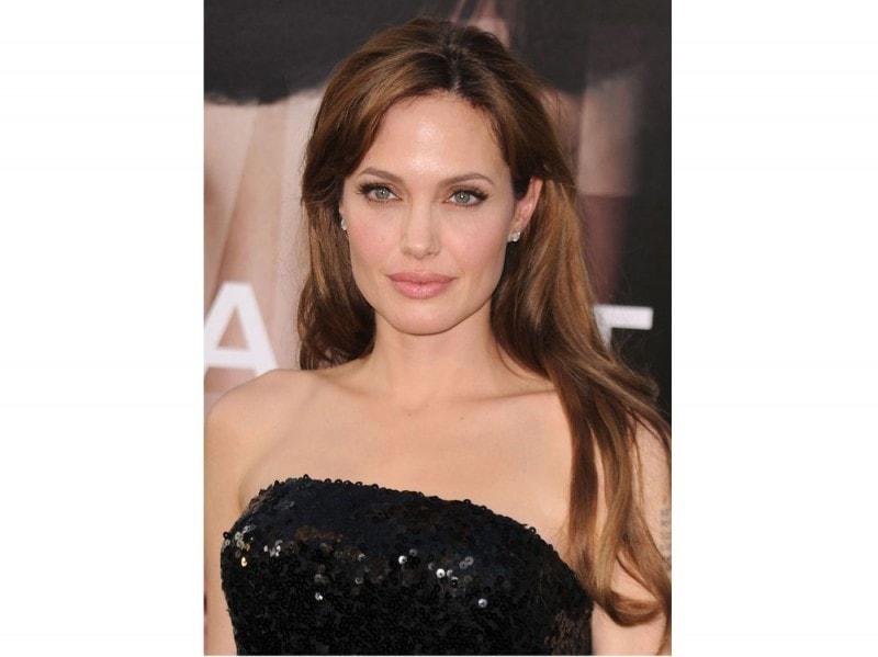 angelina-jolie-capelli-evoluzione-look-negli-anni-21