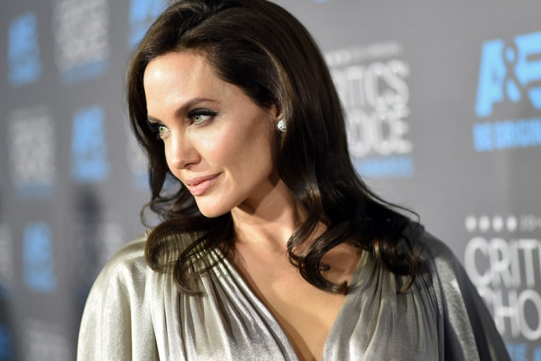 Angelina Jolie è la musa del nuovo profumo Guerlain