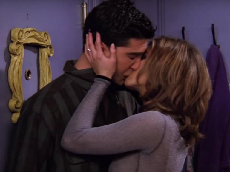 baciare per prima