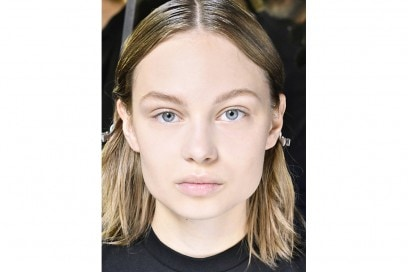 capelli sleek effetto bagnato primavera estate 2017 (10)