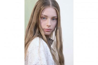 capelli sleek effetto bagnato primavera estate 2017 (15)