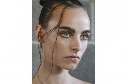 capelli sleek effetto bagnato primavera estate 2017 (2)