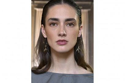 capelli sleek effetto bagnato primavera estate 2017 (4)