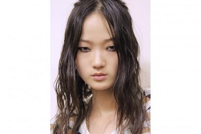 capelli sleek effetto bagnato primavera estate 2017 (9)
