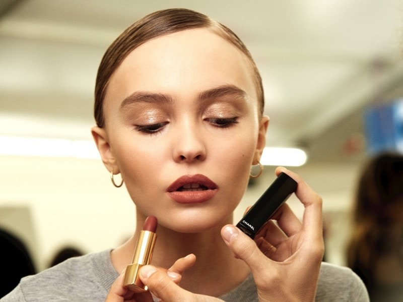 chanel-haute-couture-ss-2017-backstage-beauty-lily-rose-depp-3