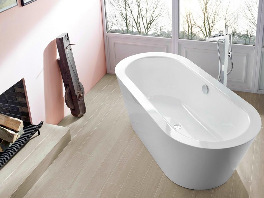 Arredare il bagno con una vasca da bagno freestanding grazia - Installare una vasca da bagno ...