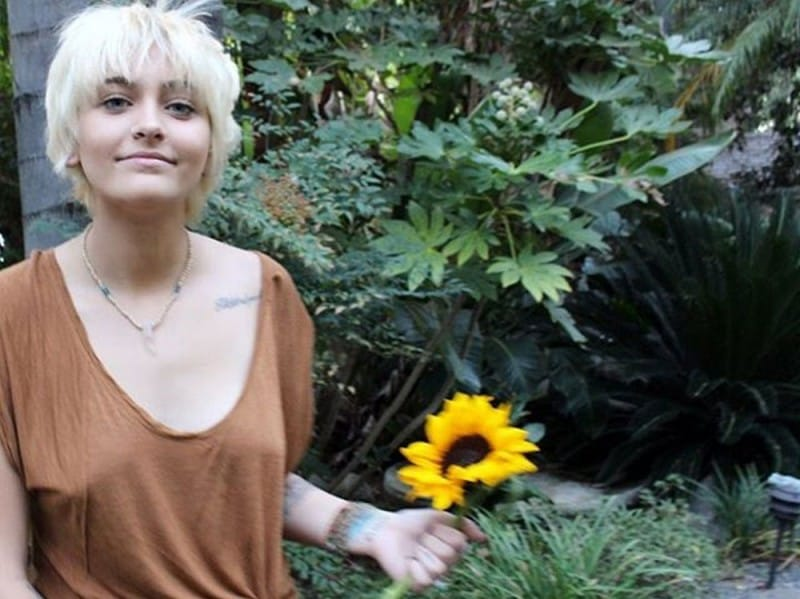paris-jackson-beauty-look-05