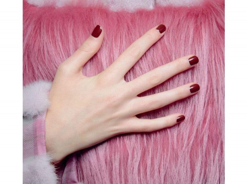 unghie rosse pe 2017