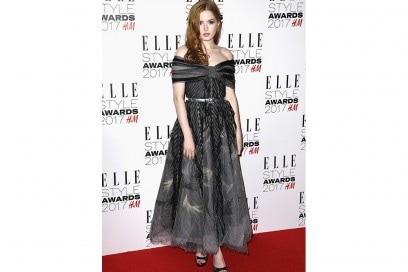 Ellie-Bamber-in-chanel-getty