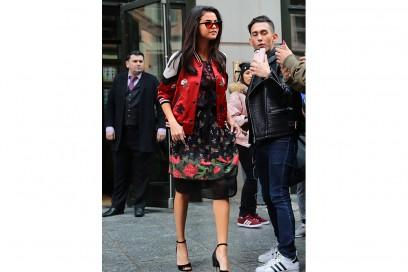 Selena-Gomez-in-Coach-splash