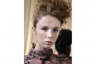 acconciature capelli raccolti primavera estate 2017  (25)