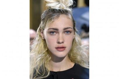acconciature capelli raccolti primavera estate 2017  (28)
